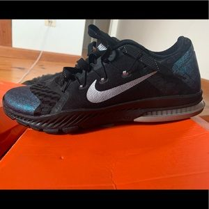NIKE Zoom Train Complete AMP Super Bowl Sneakers